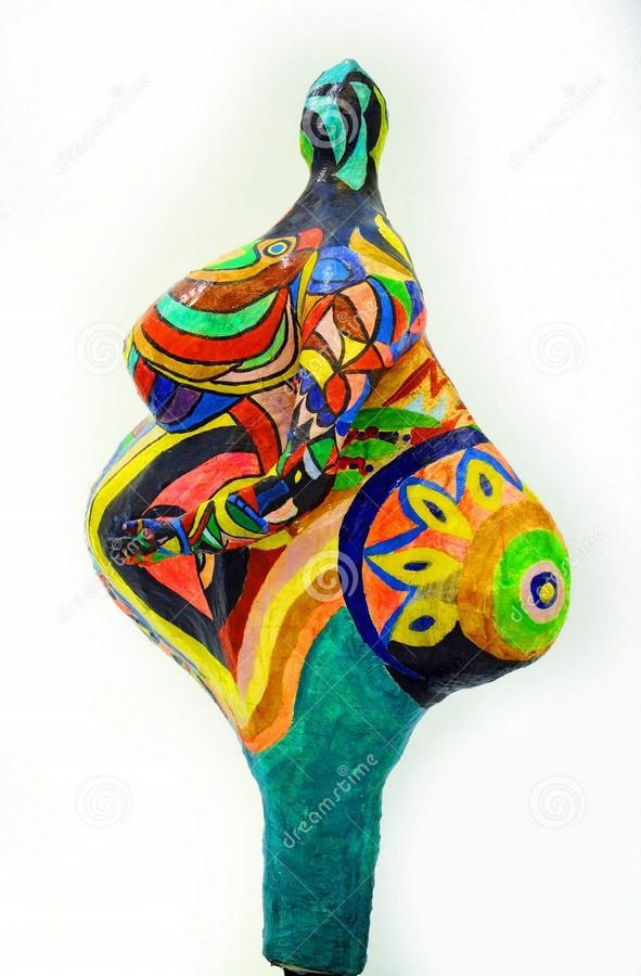 Elisabeth, 1965. Résine synthétique sur armature métallique. 230 × 90 × 146 cm. Strasbourg, musée d'Art moderne et contemporain de la Ville de Strasbourg.